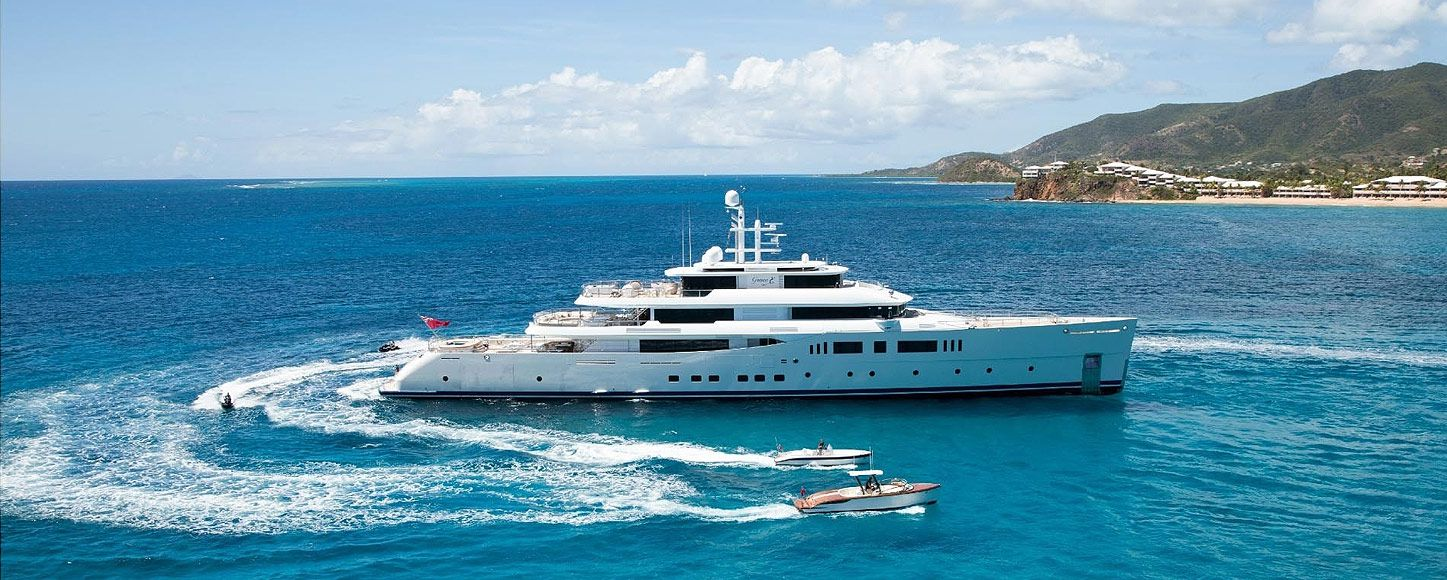 Expedition yacht charter Grace E and tenders