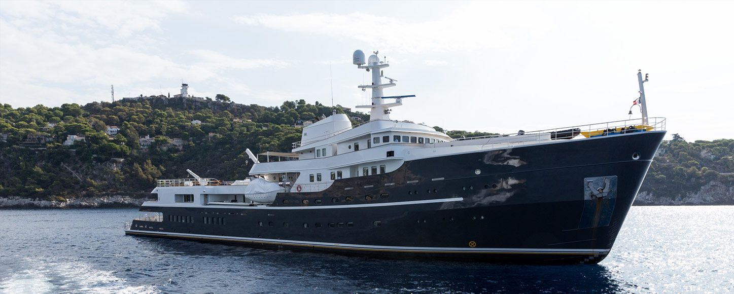 Expedition yacht charter Legend