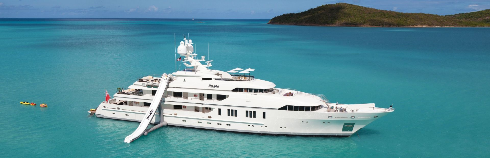 luxury chater yacht RoMa