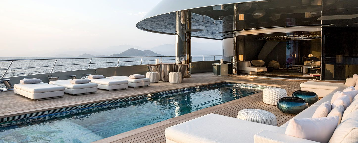 charter yacht Savannah on deck pool